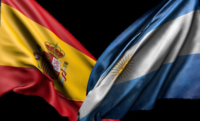 תרגום מעברית לספרדית עם דגלי ספרד וארגנטינה